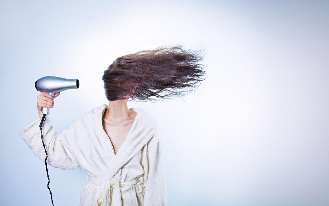 Comment prendre soin de ses cheveux secs